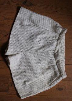Kup mój przedmiot na #vintedpl http://www.vinted.pl/damska-odziez/szorty-rybaczki/18467420-spodenki-szorty-koronkowe-biale-kremowe-stradivarius