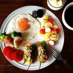 Today's breakfast. Eggplant and Anchovy Dip. ナスとアンチョビのディップ。 今日は夏休みで仕事が休みだから、あまちゃんのあとに二度寝。幸せ。 - @keiyamazaki- #webstagram