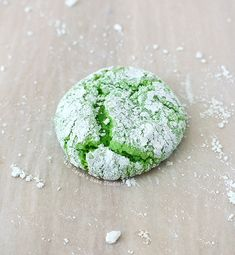 Mint Crinkle Cookies – crispy, soft and chewy, minty goodness, covered in blissful powdered sugar sweetness; your St. Patrick's Day crinkle cookies.
