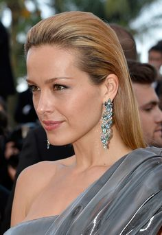 "Petra Nemcova Photos Photos - Model Petra Nemcova  attends the ""Julieta"" premiere during the 69th annual Cannes Film Festival at the Palais des Festivals on May 17, 2016 in Cannes, France. - 'Julieta' - Red Carpet Arrivals - The 69th Annual Cannes Film Festival"
