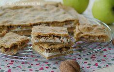 Torta ripiena alle mele, noci e ricotta.dolce semplicissimo da preparare. Il morbido ripieno,avvolto dall'impasto rustico con farina integrale e senza burro