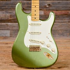 """Summary Body: Alder Neck: Maple neck with a medium-round profile, 1.65"""" wide nut, maple fretboard, 9.5"""" radius, and dot inlays Pickups/Hardware: Vintage-style Fender tuners, three single-coil pickups,"""