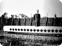 Martín Bolaños (Huelva, 1897-1970) Muestra de la universalidad de las inquietudes de Manuel Martín Bolaños es el hecho de que en el primer lustro de los años treinta ideara y desarrollara un sistema para evitar el descarrilamiento de los ferrocarriles. Este invento fue plasmado en una maqueta a escala y ensayado hacia 1935 o 1936