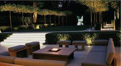 Nighttime drama in a Luciano Giubbilei garden. Via Iremozn Landscape Architecture Sourcebook. So stylish Modern Landscaping, Outdoor Landscaping, Outdoor Gardens, Modern Garden Design, Contemporary Garden, Exterior Lighting, Outdoor Lighting, Outdoor Decor, Landscape Architecture