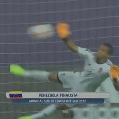 FINALISTAS!  #Venezuela gana en penales a #Uruguay | La @VinotintoSub20 avanza a la Final del #MundialSub20  #U20WC  #Vinotinto  #VamosVinotinto  #VamosVenezuela  #SomosDeTallaMundial  #FVF  #Cultura  #Cultur3ando