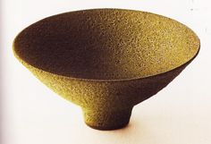 Lucie Rie and the paradox of Schrödinger's pot – WazArs Ceramic Bowls, Ceramic Pottery, Pottery Art, Clay Bowl, Clay Vase, Earthenware, Stoneware, Tea Bowls, Ceramic Artists