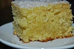 Imagen: se7epecados.blogs.sapo.pt   Necesitamos   6 huevos  150 gramos de azúcar  300 gramos de harina  100 gramos de coco rallado  150 gr...