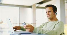 Cómo descargar tonos de llamada con Zedge. Zedge es un sitio web que ofrece accesorios gratuitos para tu celular, incluyendo tonos de llamada, diseños, fondos de pantalla, juegos y videos. Los usuarios también pueden hacer sus propios tonos de llamada de voz, si escriben un texto, le agregan música y efectos de sonido. Descargar estos tonos con Zedge es un proceso sencillo, sin embargo, lo ...