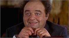"""""""Le Dîner de cons"""" est un film français, réalisé par Francis Veber, sorti sur les écrans en 1998.  Jacques Villeret,Thierry Lhermitte,Catherine Frot,Daniel Prévost..etc J'adore ce film, il est super drôle! Meilleur acteur Jacques Villeret, il en avait obtenu en 1998 un second, celui du meilleur acteur, Il sert à toute heures et avec le sourire. Je vous conseille d'acheter ce film!"""