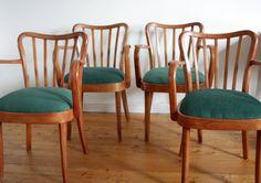*4er Set Esszimmerstühle*  Die Stühle sind aufgefrischt. Sie sind geschliffen und mit Holzöl versiegelt. Die Sitzflächen sind mit hochwertigem ...