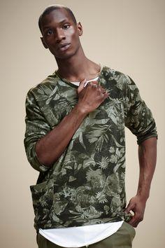 Simons Le 31 Trompe-L'oeil Floral Camo Sweatshirt. http://www.simons.ca/simons/product/6036-593/Sweatshirts+%26+Hoodies/Trompe-l%27oeil+floral+camo+sweatshirt?/en/&catId=c1581&colourId=39 #urban #menswear #streetstyle