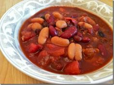 Crock-pot vegetarian chili by Hungry Hungry Hippie
