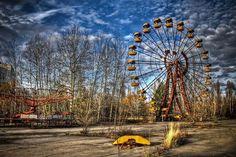 Prípiat, UcraniaEsta ciudad es muy conocida, pues sufrió uno de los peores accidentes del mundo y hasta la fecha no se ha recuperado.