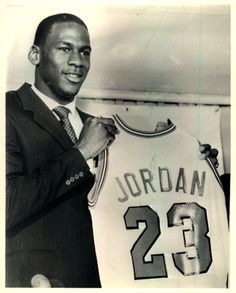 Michael Jordan #MichaelJordan #ChicagoBulls #AirJordan #Shootingguard
