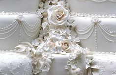 Kate & William's wedding cake detail
