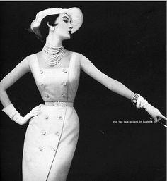 Dovima, 1953