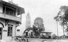 File:COLLECTIE TROPENMUSEUM Stadsgezicht Fort de Kock bij Torenklok Sumatra's Westkust TMnr 10014984.jpg