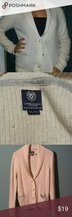 Cozy Oversized Cardigan, American Eagle Outfitters Cream colored wool blend sweater. In excellent condition, this is a great addition to any fall/winter wardrobe. American Eagle Outfitters Sweaters Cardigans