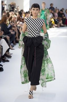 fc2137f10f Dries Van Noten Spring 2019 Ready-to-Wear Fashion Show Collection  See the