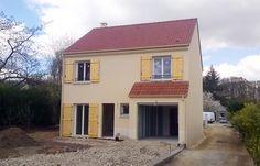 La #maison d'Isabelle et Julien dans les Yvelines - modèle GRAND NACRE de la gamme HOME CHRYSALIDE #House #MaisonsPierre #Maison