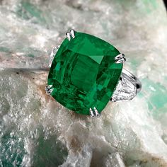 The Green Lantern emerald, a Colombian 19.54 carat emerald offset by precious jade and diamond stones, on sale April 8, 2013, at Sotheby's in Hong Kong. Now I just need someone to buy it - and a flight to Japan - for me. A girl can dream...