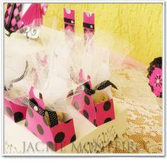 Caixa Vestido festa Pink e Preto Papéis Scrap Jackie coleção Fifteen by Jackie Monteiro - venda das peças e papéis pela loja virtual www.scrapjackie.com