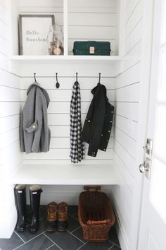 Mud room designs small spaces