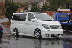 Nissan Elgrand Meihan -Van life – Engineered to Slide Nissan Elgrand, Nissan Quest, Vanz, Chrysler Pacifica, Top Cars, Car Tuning, Car Manufacturers, Campervan, Van Life