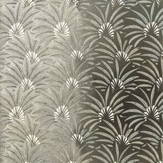 Papier peint Brazilia de Nobilis disponible chez Au fil des Couleurs. #papierpeint #aufildescouleurs #wallpaper #wallcoverings #interiordesign #interiordesignideas #deco #décoration  #decorationideas #decor #walldecor #wallmural #Tapete #cartadaparati #tapet #papelpintado  #nobilis #contemporarywallpaper #papierpeintdesign #papierpeinttropical #tropicaldecor #tropicalwallpaper #artdeco #artdecowallpaper