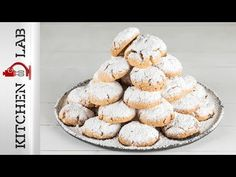 Greek chocolate filled almond cookies – Kourabiedes by Greek chef Akis Petretzikis! Make these traditional Greek treats that are yum and perfect for Christmas! Chocolate Filling, Xmas Food, Almond Cookies, Greek Recipes, Christmas Treats, Muffin, Baking, Breakfast, Traditional