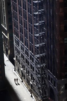 Christophe Jacrot-sunny day in NYC Carl Sagan, Urban Photography, Street Photography, Cinematic Photography, Chicago Photography, Christophe Jacrot, Fire Escape, Art En Ligne, French Photographers
