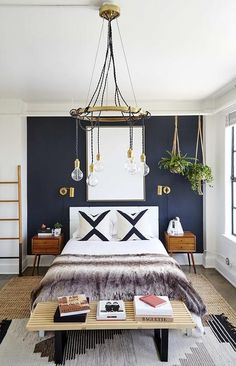33 Epic Navy Blue Bedroom Design Ideas to Inspire You Navy blue is a highly sophisticated color that would fit a bedroom? Cast a glance over our navy blue bedroom ideas and convince yourself of its epicness! Glam Bedroom, Home Decor Bedroom, Bedroom Setup, Bedroom Furniture, Bedroom Modern, Trendy Bedroom, Reuse Furniture, Black Furniture, Layered Rugs Bedroom
