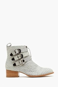 Nasty Gal - New & Vintage Clothing Fantastic wired but cool gray snakeskin pointed toe boots zipped up, with lovely  buckled straps. To die for!!! By Jeffrey Campbell.