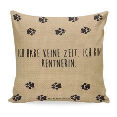 Kissen 40x40 Mein Hund und ich aus Soft-Feel Kissenbezug  Flauschig - Das Original von Mr. & Mrs. Panda.  Ein wunderschönes kuscheliges Kissen von Mr. & Mrs. Panda mit wunderbar weicher entnehmbarer Füllung  - liebevoll bedruckt, verpackt und verschickt aus unserer Manufaktur im Herzen Norddeutschlands. Das Kissen hat einen Reißverschluss zum Entnehmen der Füllung und die Größe von 40x40 cm.    Über unser Motiv Mein Hund und ich  Die Kollektion Mein Hund & ich ist wirklich etwas ganz…