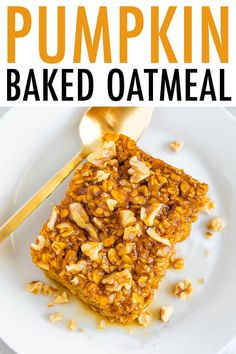 The best cozy fall breakfast this pumpkin baked oatmeal is made with oats pump The best cozy fall breakfast this pumpkin baked oatmeal is made with oats pumpkin maple syrup pumpkin pie spice and cinnamon. Its vegan and gluten-free. Source by cottercrunch Vegan Oatmeal, Pumpkin Oatmeal, Baked Oatmeal, Baked Pumpkin, Pumpkin Recipes, Fall Recipes, Baked Oats, Bean Recipes, Holiday Recipes