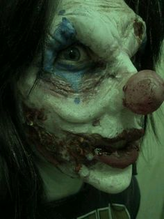 """I can now understand why so many people have a """"phobia"""" about clowns.  They can be freakin' TERRIFYING!!!"""