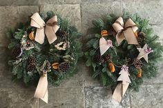#christmaswreath #natural #nickywalkerflorist Christmas Wreaths, Holiday Decor, Natural, Home Decor, Christmas Swags, Homemade Home Decor, Holiday Burlap Wreath, Interior Design, Home Interiors