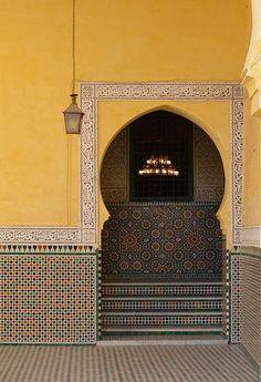 高次元の色彩感覚!モロッコの美しき「ゼリージュ」の世界                                                                                                                                                     もっと見る