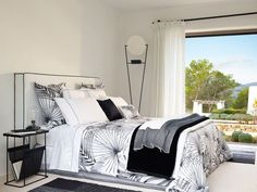 New Hotel Collection Campaing_Zara Home Zara Home Egypt, Zara Home Bedroom, Bed Comforter Sets, Interior Decorating, Interior Design, White Bedding, Home Accents, Luxury Bedding, Furniture Design