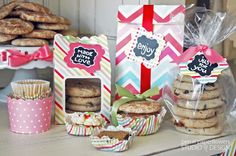 Everything you need for hosting a fabulous Cookie Exchange! Ideas, Packaging Station and Printables. #holidayentertaining