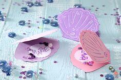 Zauberhafte Tischkarten für süße Wassernixen. • Umsetzung und Foto: Thordis Rüggeberg
