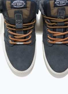 fc76cb2e58b High-top plimsoles with rubber sole. Pepe Jeans London detail on the tongue.