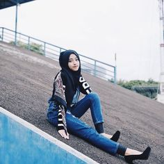 a little something from last shoot. ✨ this was really hard cause i had to walk up in heels. this picture was taken in ancol can you believe that?  anyway new video soon on my youtube channel. when should i upload it? comment comment comment