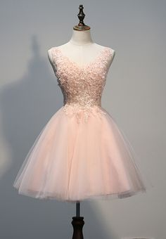 Prom Lovely Light Pink Tulle Short Prom Dress with Lace Applique, Pink Homecoming Dresses, Party Dresses / BeMyBridesmaid Junior Prom Dresses, Hoco Dresses, Tulle Prom Dress, Quince Dresses, Prom Party Dresses, Pretty Dresses, Lace Dress, Formal Dresses, Graduation Dresses