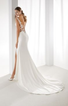 - Aurora 2019 Collection Sensual ivory mermaid dress in stretch satin and enriched by beaded macrame lace applications. Elegant Wedding Dress, Dream Wedding Dresses, Bridal Dresses, Wedding Gowns, Stunning Dresses, The Dress, Dream Dress, Bridal Collection, Wedding Styles