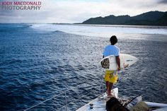 Join the Best Odyssey team in a world very few people have ever seen in the middle of the Pacific Ocean.  Featuring Ben Wilson, Mauricio Abreu, and Josh Mulcoy.  Shot and edited by John Bilderback.   Kitesurfing and surfing on Kosrae, Micronesia.  http://www.offshoreodysseys.com