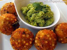 need to finish the leftover sabudana Indian Snacks, Indian Food Recipes, Ethnic Recipes, Chili Chutney, Sabudana Vada, Peanut Powder, Bite Size Food, Lime Salt, Oil For Deep Frying