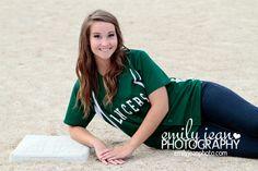 #seniorportraits #softball #emilyjeanphotography  WWW.EMILYJEANPHOTO.COM