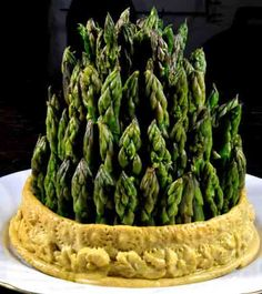 Historic food - asparagus in crust.would be fun to do these mini for 'My Victorian Tea Party' Victorian Recipes, Medieval Recipes, Ancient Recipes, Retro Recipes, Old Recipes, Vintage Recipes, Cooking Recipes, Thanksgiving, Food Styling