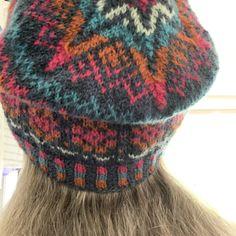 How to Knit Corrugated Ribbing For Colorwork Hats – New England's Narrow Road #fairisleknitting #corrugatedrib #katieskep #howtoknitahat